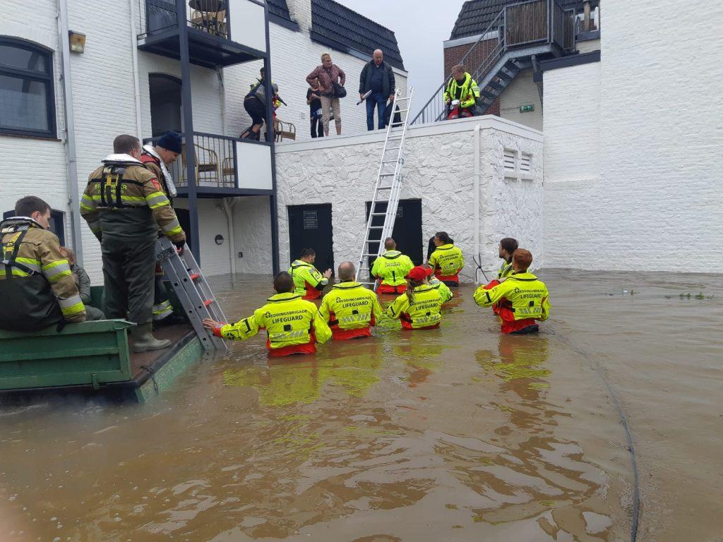 Watersnood Limburg Evacuatie Valkenburg Dordtse Reddingsbrigade